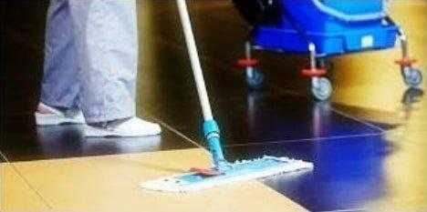 Serviço de limpeza terceirizado